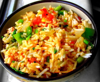 Tomato Rice | Thakkali Sadam (Without garlic) : Left over rice recipes.