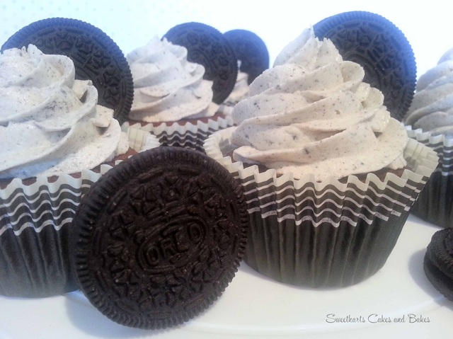 Cookies and cream Oreo cupcakes