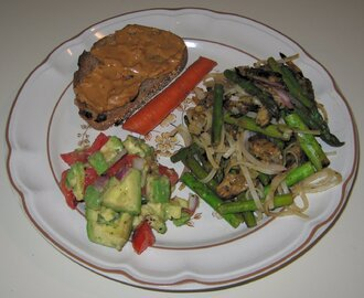 Tempeh and Asparagus with Rice Noodles, Avocado Salad, Peanut Butter (w flax) on WhWt Pecan-Raisin Toast