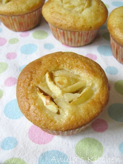 Skinny cupcakes by Hairy Bikers, ugh, Dieters ;) ...