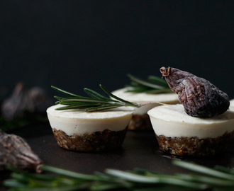 Raw Savoury Mini Vegan Cheesecakes (grain-free)