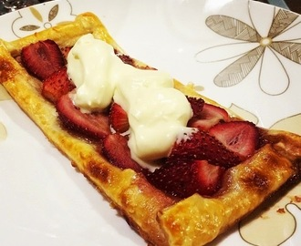 Brandied strawberry tarts with fresh whipped cream ... in the Thermomix