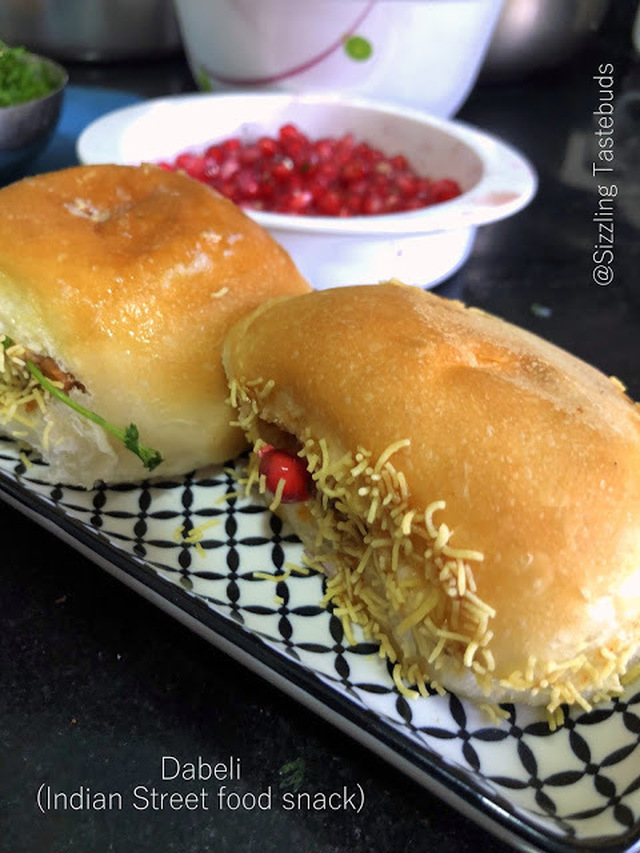 Dabeli | How to make Kutchi Dabeli