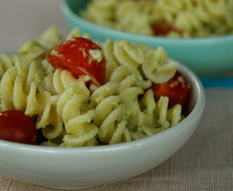 Avocado pesto pasta and our first giveaway