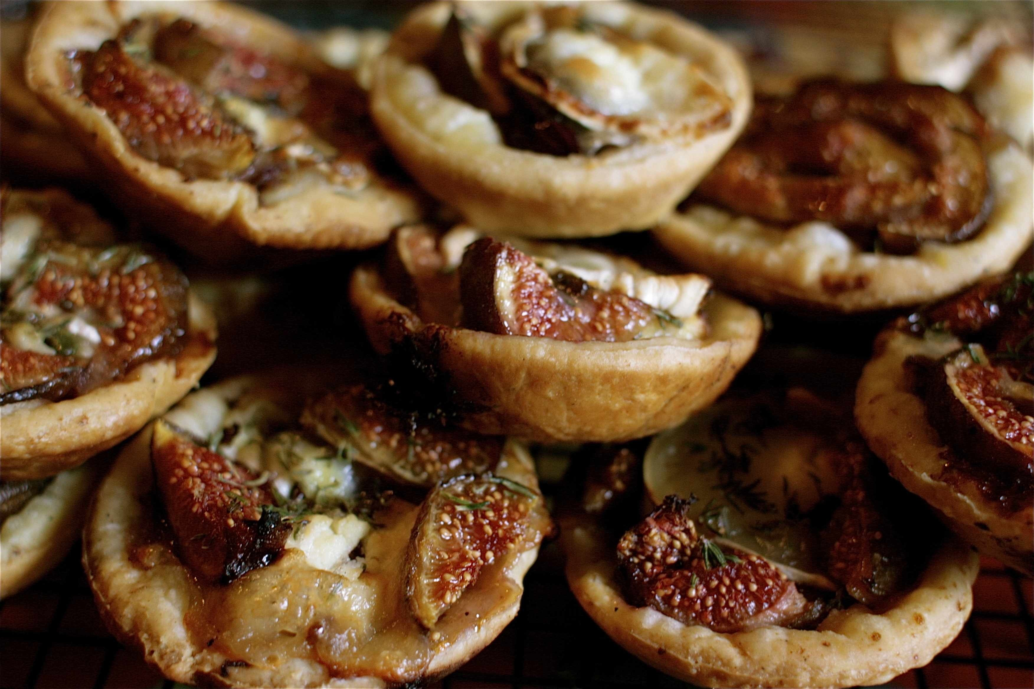 Fig, Goats Cheese & Red Onion Tarts