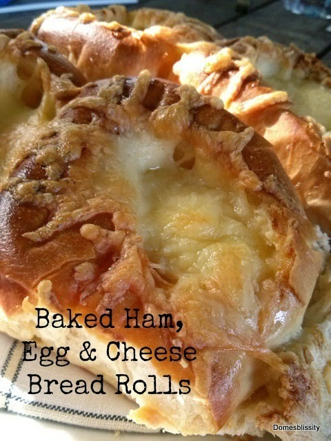 Baked ham, egg & cheese bread rolls