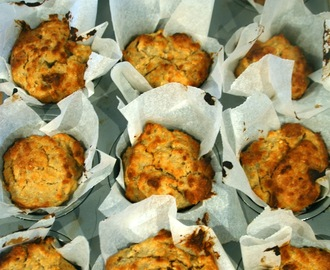 Low fat and high fibre pear and oat muffins