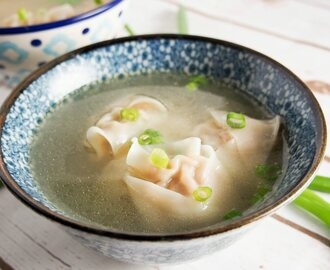Easy wonton soup #SoupWeek