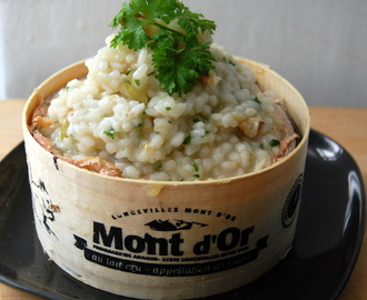 Risotto de apio y nueces en un queso Mont d'Or