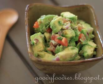 Recipe: Easy peasy Guacamole (Curtis Stone)