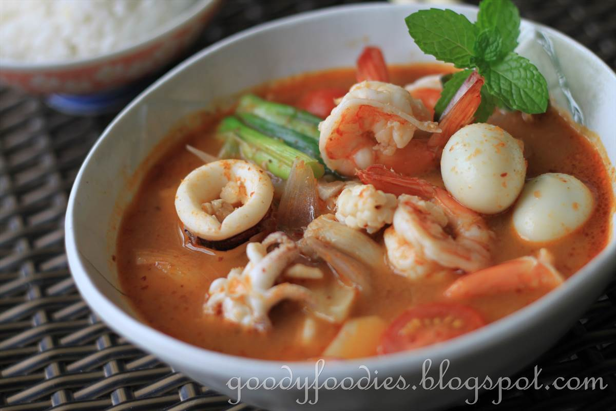 Recipe: Seafood tom yum with quail egg + WORLDFOODS Giveaway