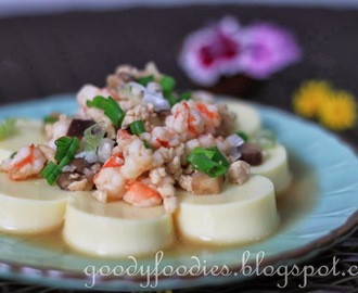 Recipe: Japanese egg tofu with minced chicken, prawns and mushrooms