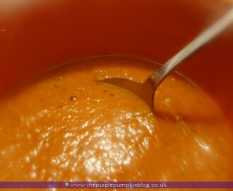 Spicy Roasted Tomato & Red Pepper Soup {Recipe}
