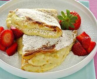 Crepes con crema soffice e fragole