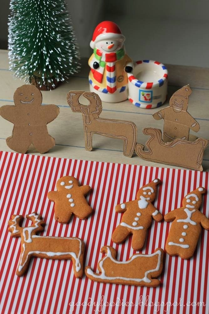 Recipe: Santa Claus & The Christmas Family (Gingerbread Biscuits)