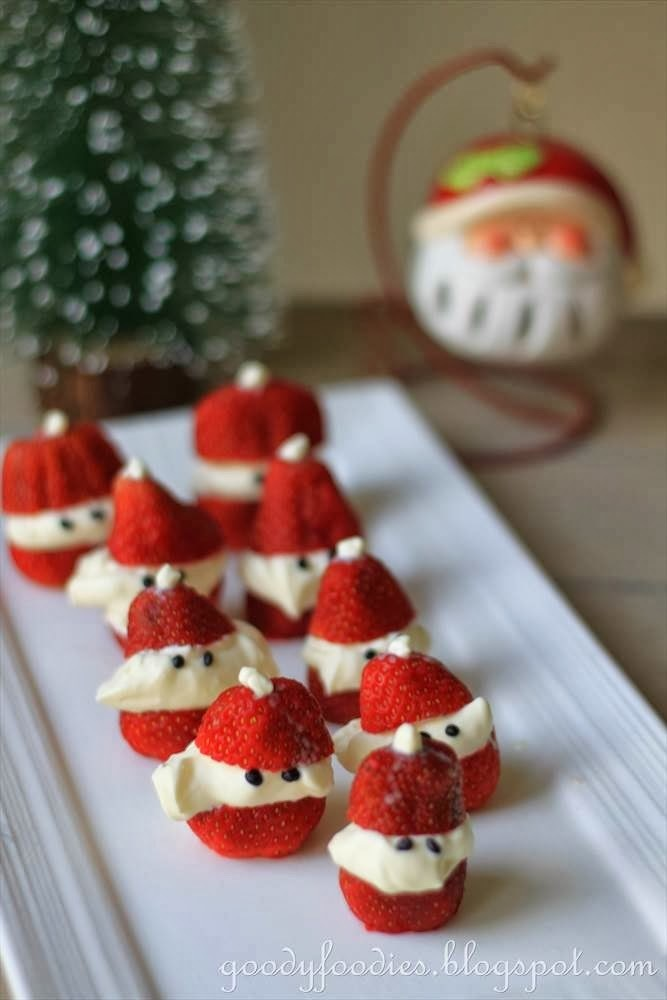 Recipe: Mini Strawberry Santas (Christmas)