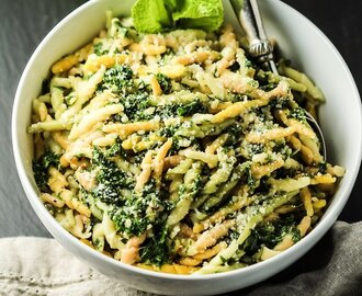 Pasta with Kale Walnut Pesto