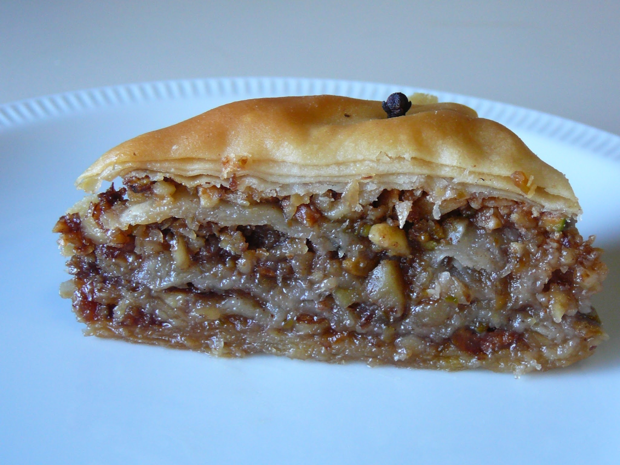 THE DARING BAKERS' JUNE, 2011 CHALLENGE: FROM PHYLLO TO BAKLAVA!!