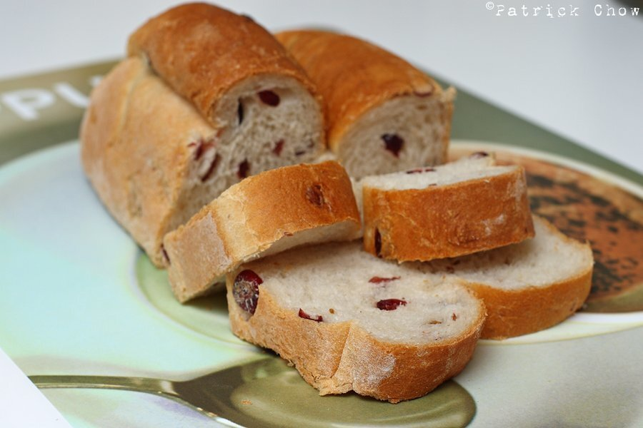 Cranberry bread roll ( water roux method )