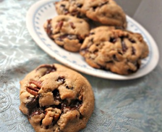 Brown Butter Dark Chocolate and Toasted Pecan Cookies