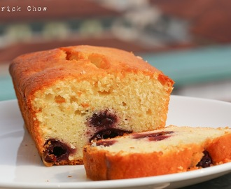 Yogurt and blue cherry cake