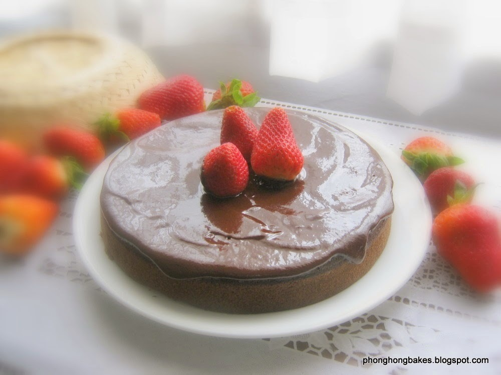 Fudgy Steamed Chocolate Cake