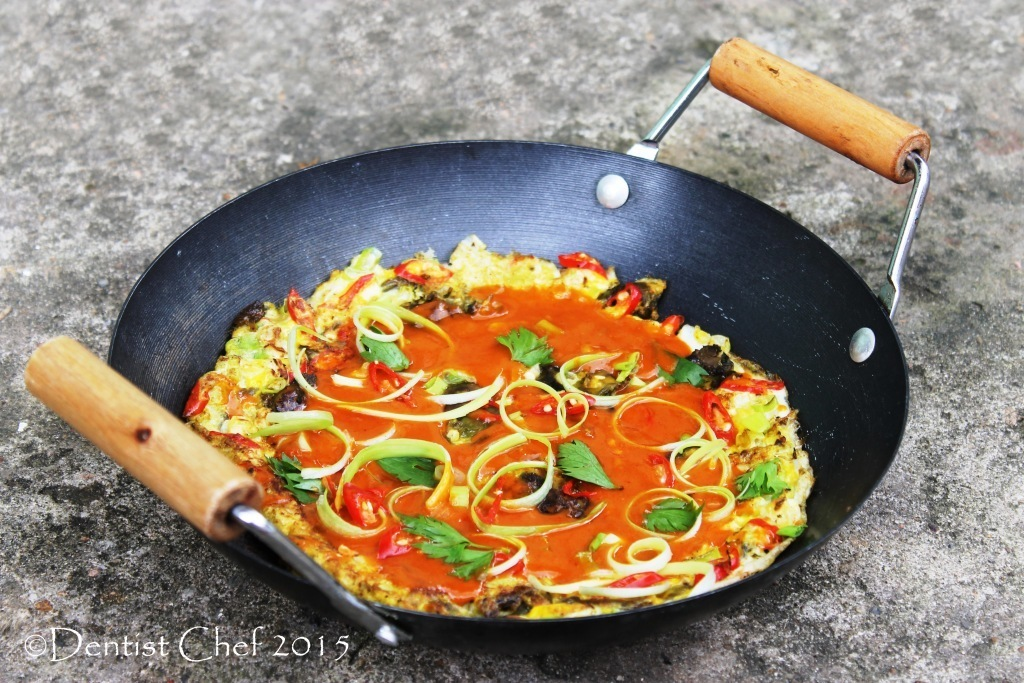 Recipe Taiwanese Oyster Omelette with Spicy Sweet and Sour Chili Sauce (Resep Dadar Tiram ala Singkawang)