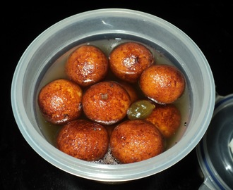 Chenna Jhili ( Cheese balls in a light sugary syrup )