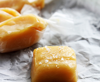 Easy 4 Ingredient Soft Caramels (no candy thermometer required)