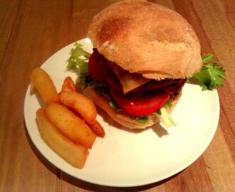 Homemade Beef, Pork and Tomato Burgers