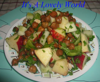 Apple-Whole Black Bengal Gram Salad