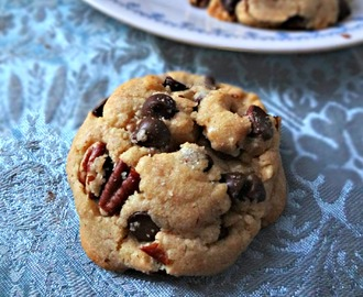 Brown Butter Chocolate Chip & Pecan Cookies: Spotlight on The Messy Baker
