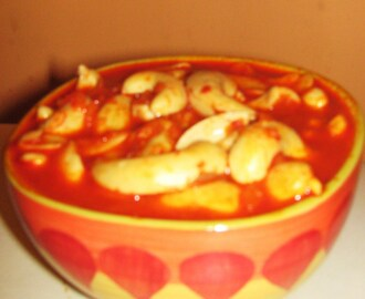 Bibbe Song (Cashewnuts in Tangy Chilli Gravy)