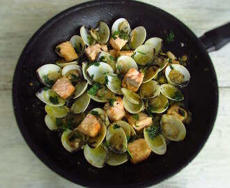 Salmon with clams | Food From Portugal