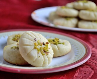 Eggless Naan Berenji- Persian Rice Flour Cookies
