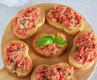 Best ever tomato bruschetta