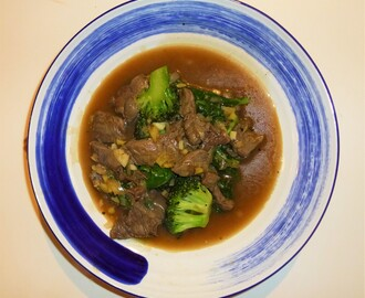 Beef, Broccoli and Spinach Stir Fry with a Honey and Pepper Sauce Recipe