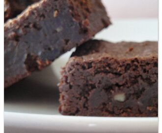 Brownie de chocolate com passas