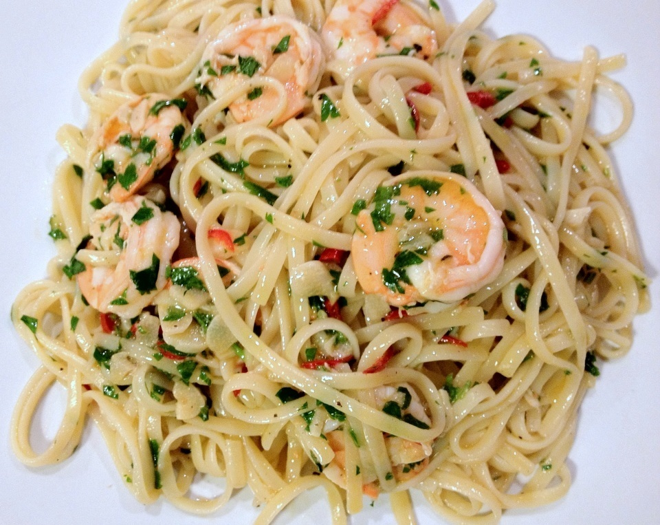 Prawn linguine with chilli and garlic