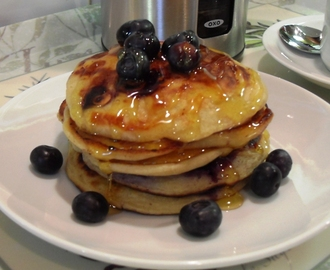 Blueberry & Banana Pancakes (American Style) + Mega Oxo Good Grips Giveaway & Review