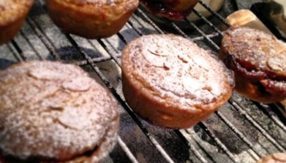 An alternative to Mince Pies at Christmas - Mulled Wine & Cranberry Frangipane Pies.