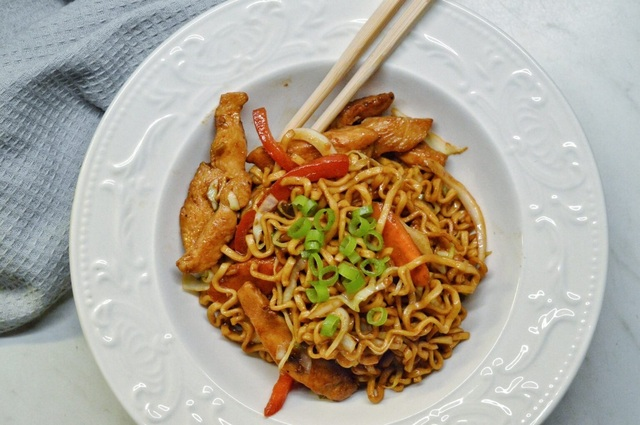 Chicken Chow Mein Posted on 28/04/2021 by Therése