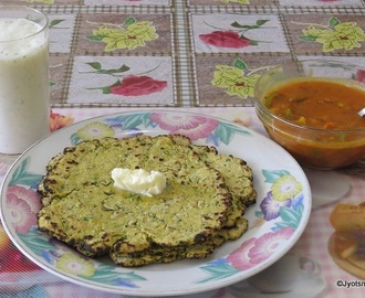 Makke ki Methi Wali Roti (Indian flat bread from Corn meal and Fenugreek leaves)