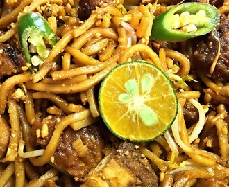 Penang Style Indian Mee Goreng (Fried Noodles)