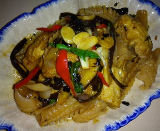 EZCR#21   - BRAISED TOFU WITH BLACK FUNGUS AND CUTTLEFISH