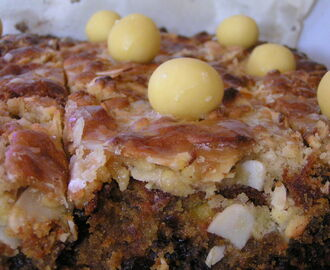 Easter Baking Part 2 - Fruity Simnel Tray Bake
