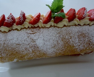 Swiss Roll with Strawberries