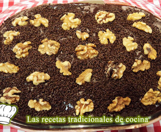 Receta de tarta de chocolate con galletas