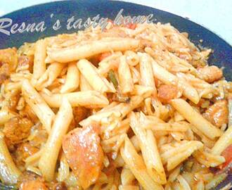 Spicy chicken pasta (Indian style)