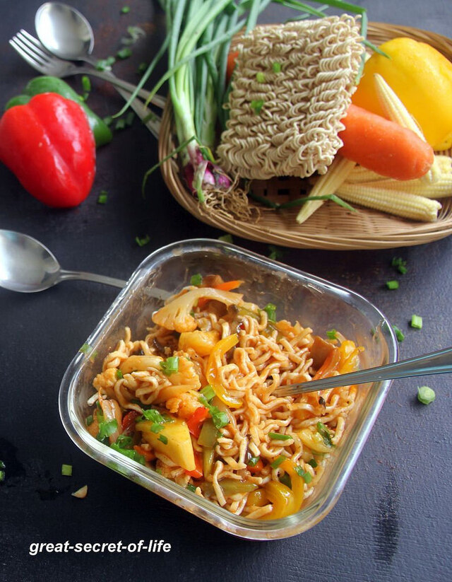 American Chopsuey Recipe - Fried Vegetable noodles with Tomato Ketchup sauce - Dinner recipes - Snack recipes - Kids Recipes